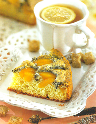 Маковый пирог с персиками